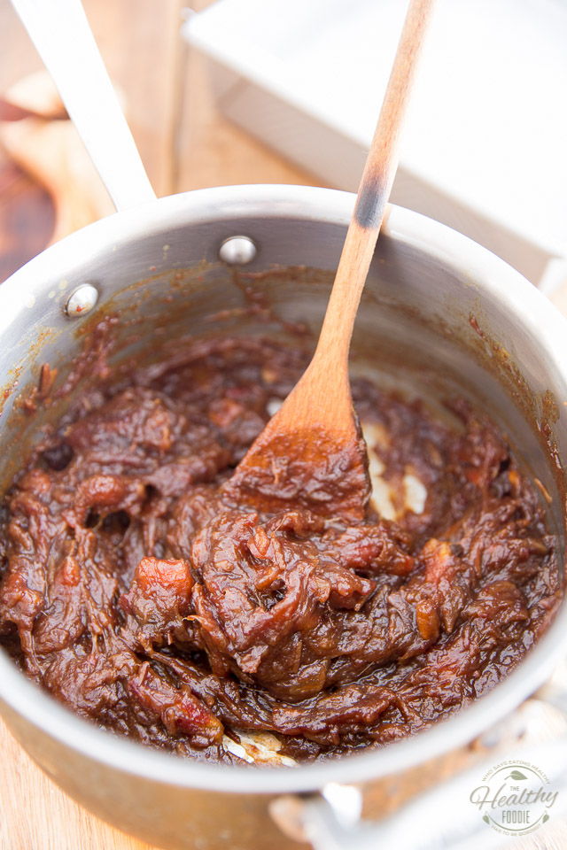 a creamy, smooth and heavenly fragrant date mixture