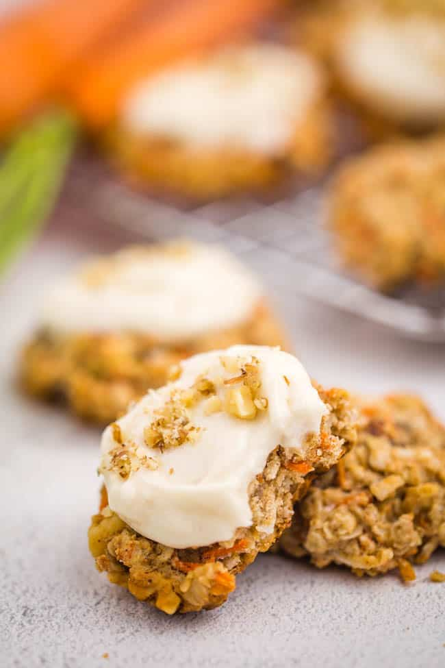 These Carrot Cake Oatmeal Cookies are a healthy treat without tasting healthy at all!